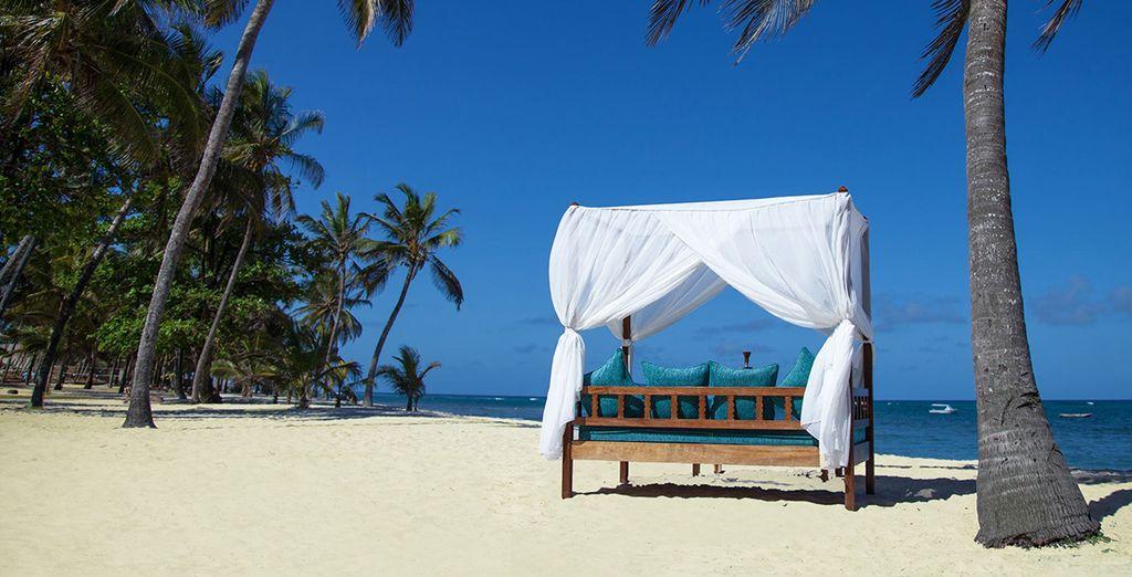 Diani Beach y sus aguas claras te esperan en el Amani Tiwi Beach Resort 5*