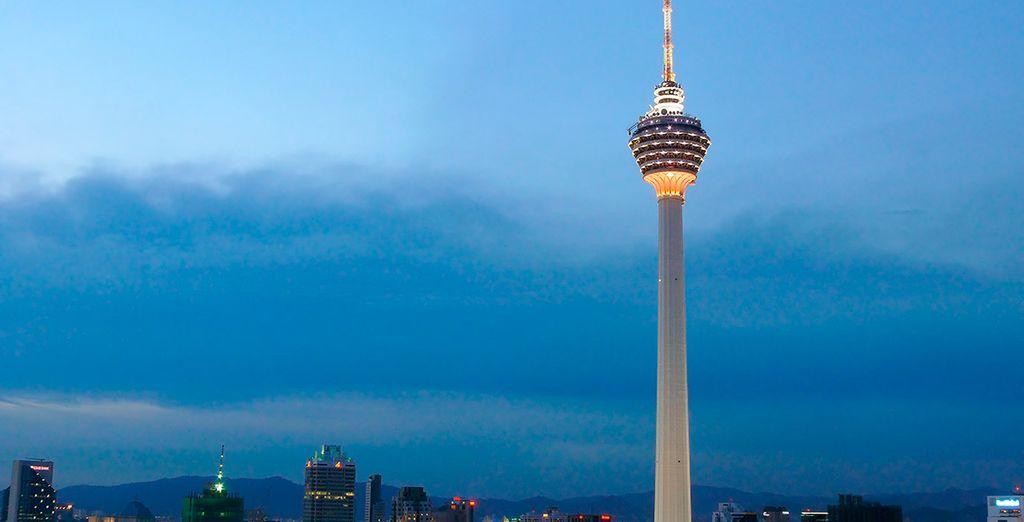 La moderna Torre Kuala Lumpur