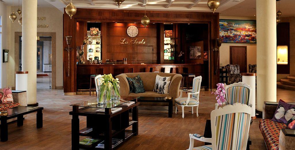 A tu llegada te recibiremos con té de menta y dulces marroquíes de bienvenida