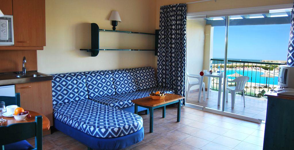 Se alojará en un confortable apartamento con terraza