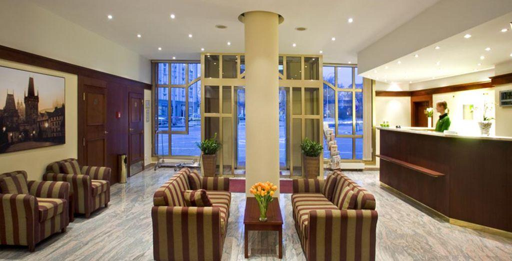 Découvrez l'hôtel Plaza Alta, l'endroit idéal pour accéder aux principales attractions de la ville !