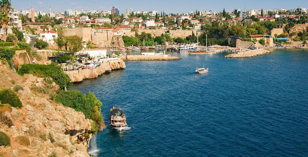 Vous découvrirez Antalya
