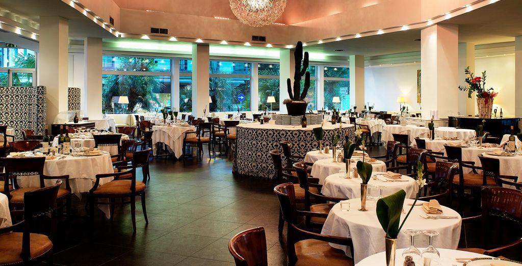 Vous pourrez dîner au restaurant Atmosphere
