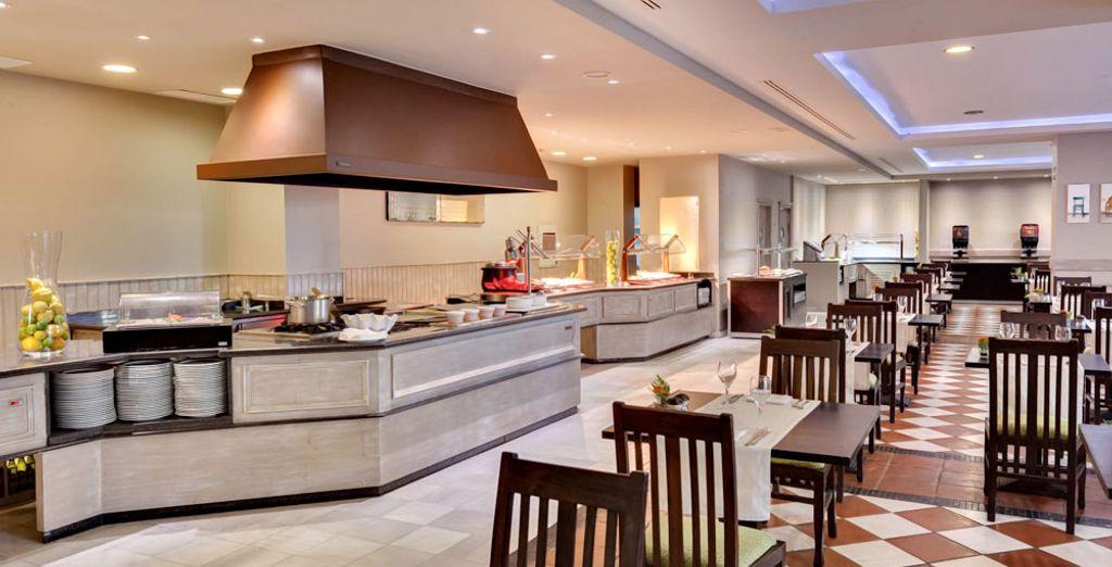Dont les cuisines ouvertes rajoutent un caractère spectaculaire à votre repas