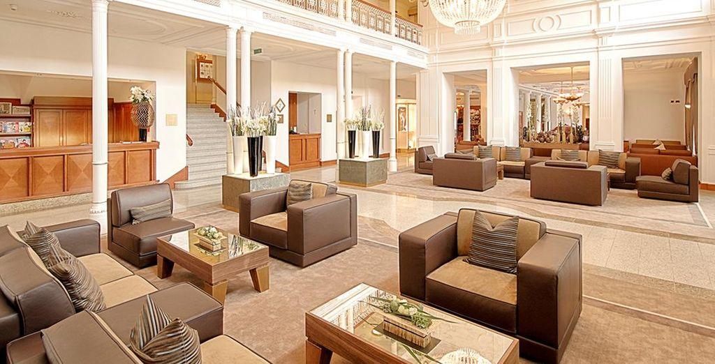 Et ses intérieurs chics, le Kempinski Grand Hotel des Bains 5* vous promet un séjour luxueux !