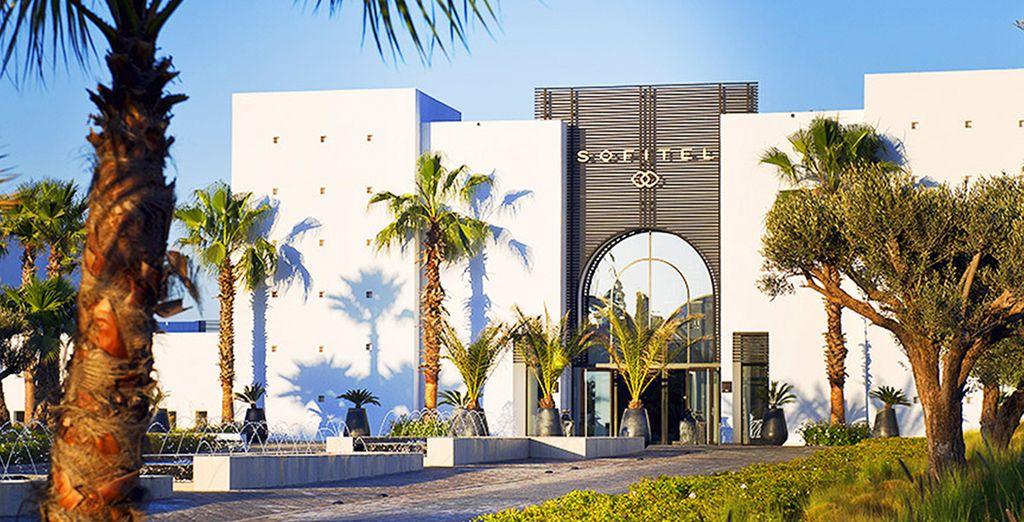Bienvenue dans le prestigieux hôtel 5* Sofitel Agadir Thalassa Sea & Spa...