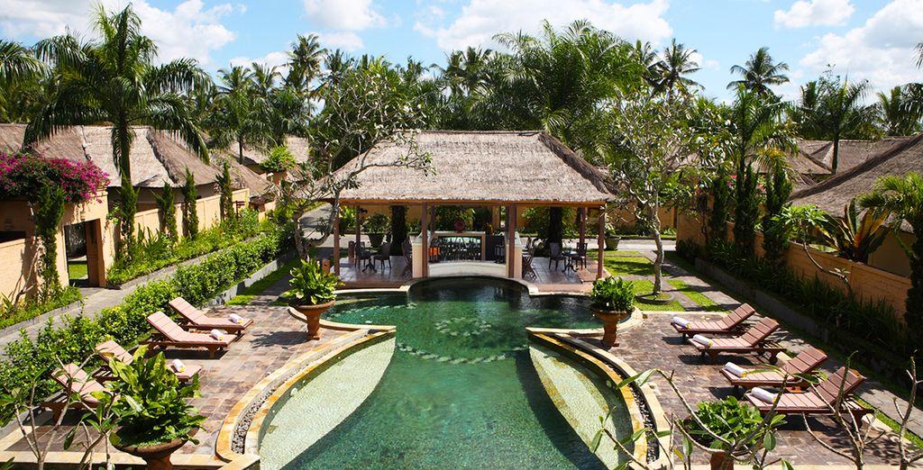 Alors envolez-vous pour l'Indonésie, et faites une première escale à Ubud - Combine Hotel Furama Villas & Spa & The Chedi Sakala Bali