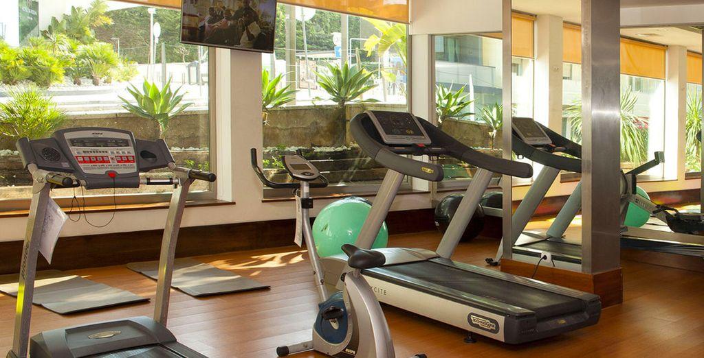 Pour les plus sportifs, la salle de fitness vous attend.
