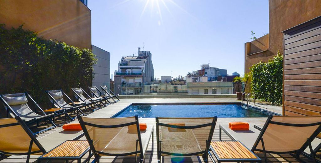 Place à la détente une terrasse au 8ème étage... - Hôtel Europark Barcelone