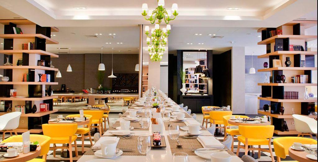 Le temps d'un repas, le cadre design et contemporain saura vous charmer