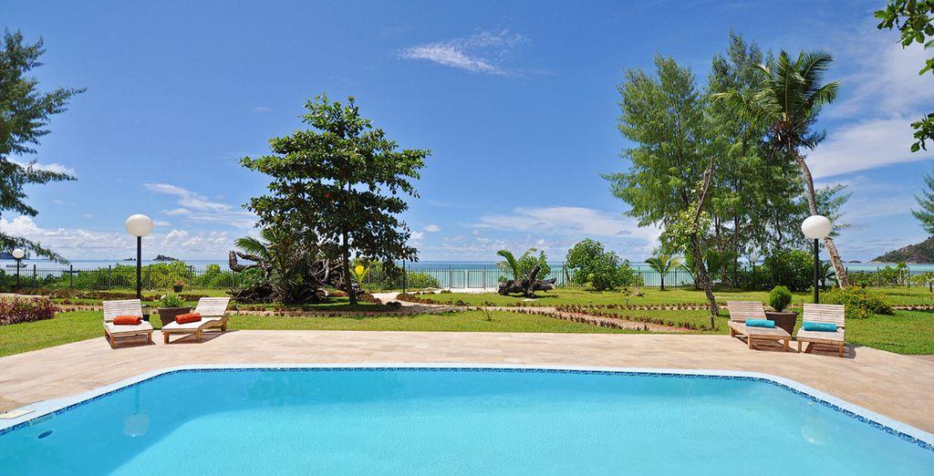 Avec piscine extérieure et panorama exceptionnel