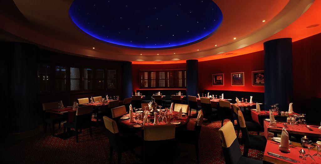 Vous aurez le plaisir de découvrir différents univers culinaires parmi les 3 restaurants que comporte l'hôtel