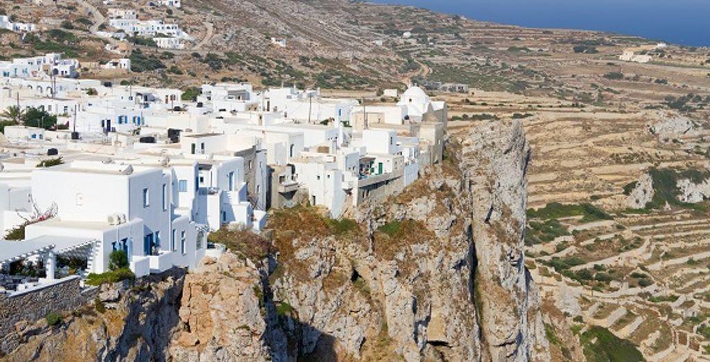 Une village perché sur l'île de Folegandros