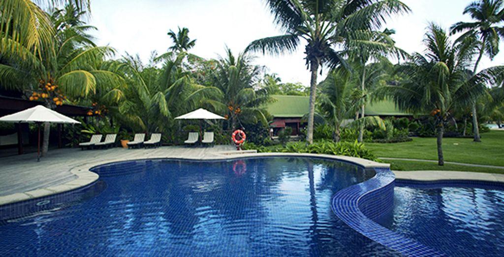 Détente au bord de la piscine - Paradise Sun **** Sup  Praslin Island