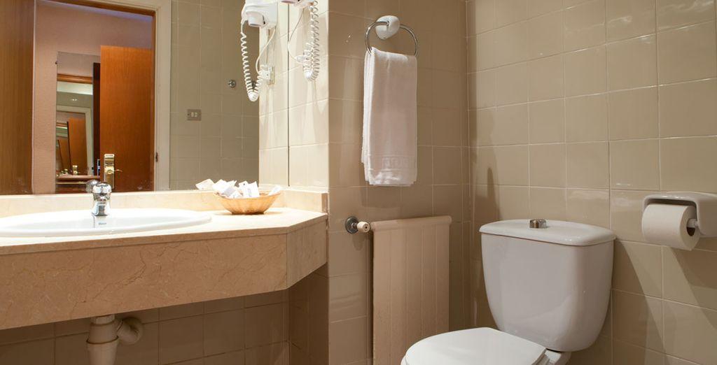 Après un tour dans la salle de bain toute équipée