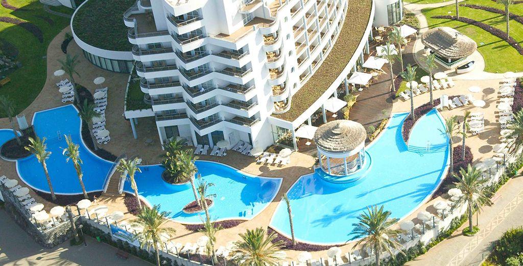 Au sein de ce magnifique resort, vous partirez pour un séjour dépaysant et salvateur !
