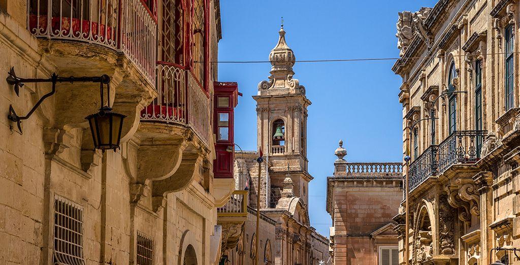 Nous vous installons au coeur de la citadelle de Mdina, classée au Patrimoine Mondial de l'Unesco !