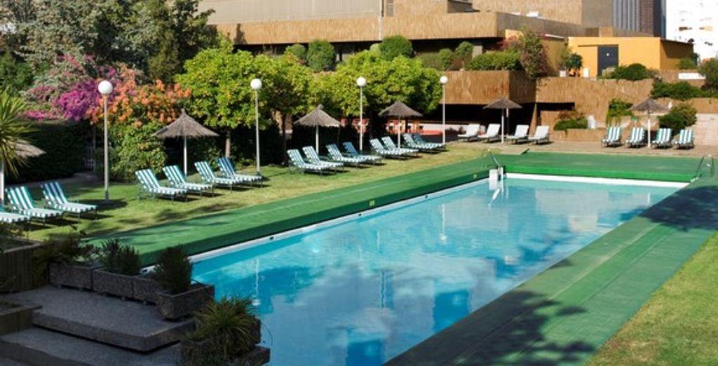 Avis h tel myst re 4 s ville voyage priv - Seville hotel piscine ...