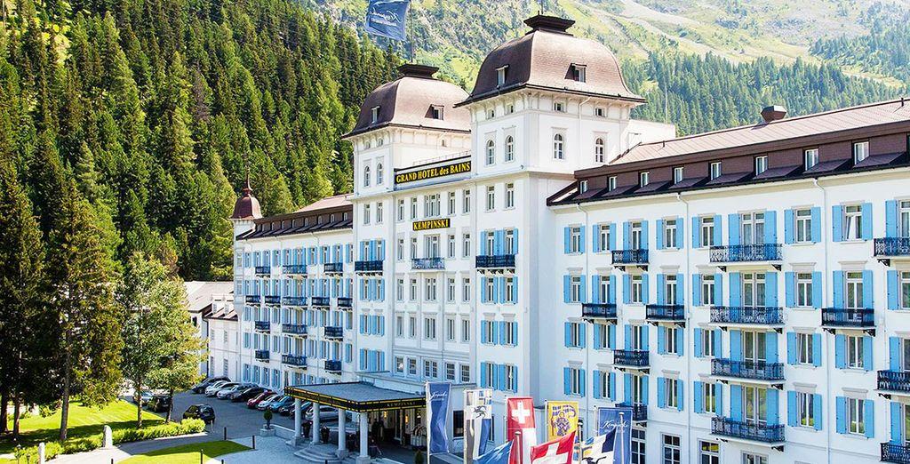 Depuis un hôtel aux airs de Palace digne de la grande tradition hôtelière Suisse