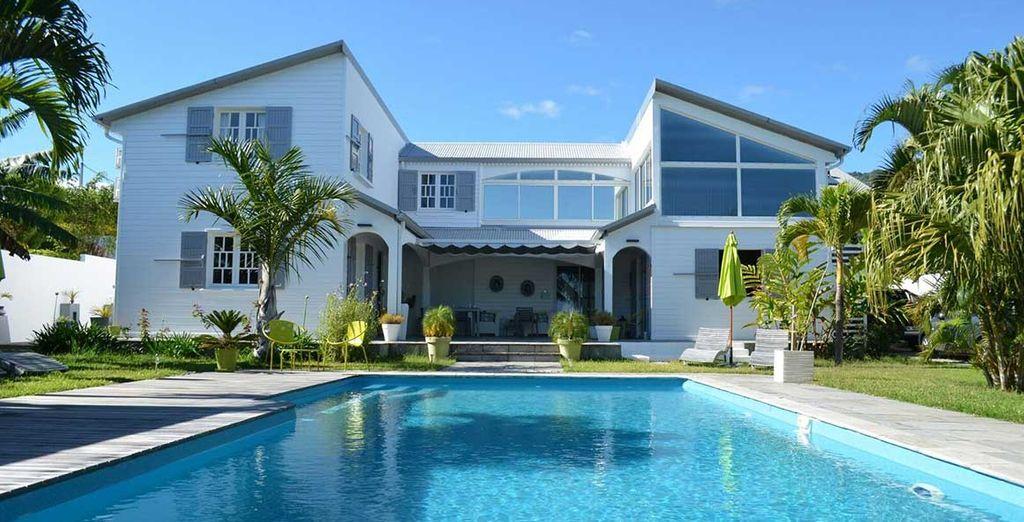 La Villa des Cannes elle vous accueille dans une atmosphère de calme et de sérénité...