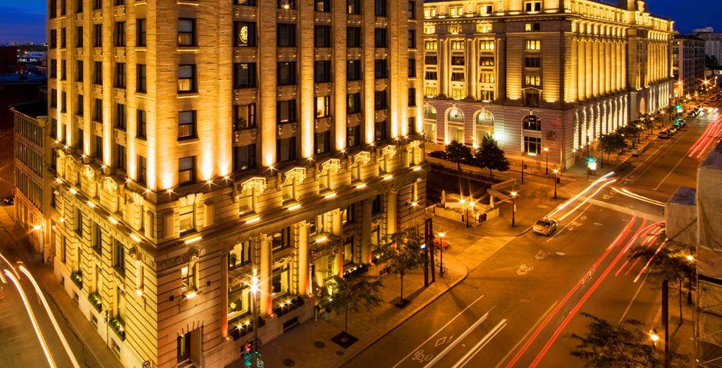 Vous séjournerez à l'hôtel St Paul, au cœur d'un quartier pittoresque à souhait