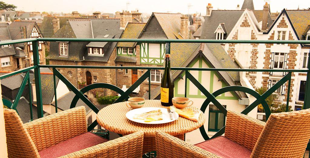 Dégustation des spécialités Bretonne et vue sur la belle ville de Saint Malo