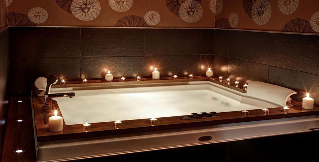 Ou enfin, optez pour le summum du luxe : la Jacuzzi Suite...