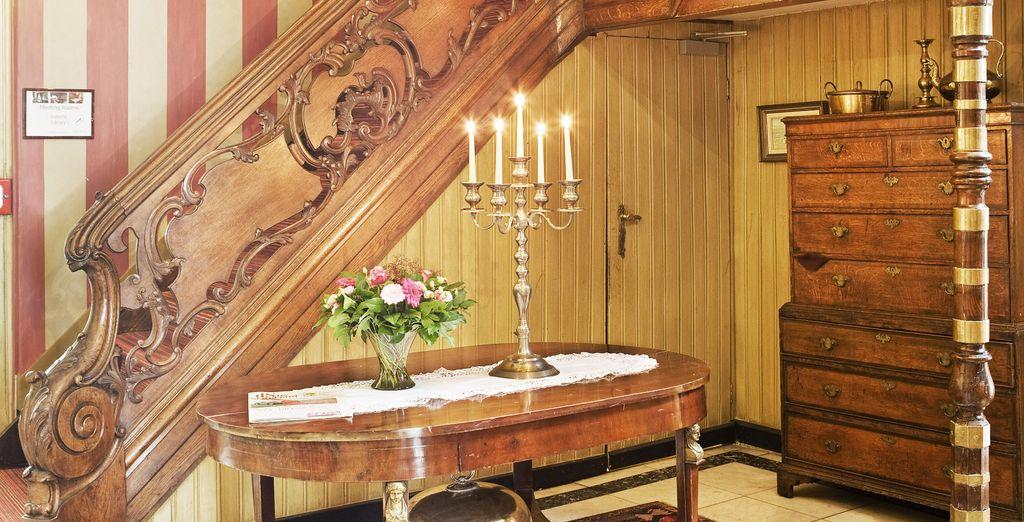 Et le mobilier boisé apporte une touche d'authenticité