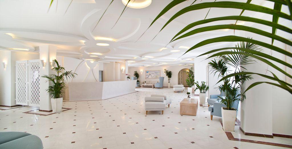 Le Santorini Palace 4*, chic et accueillant