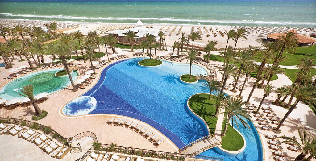 Séjournez les pieds dans l'eau - Hôtel Mövenpick Resort & Marine Spa Sousse ***** Luxe Sousse