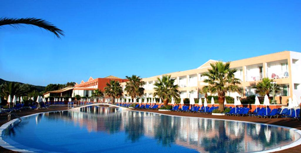 Vue de la piscine - Hôtel Aquis Sandy Beach **** - Agios Georgios - Corfou Corfou