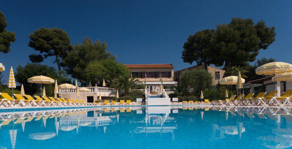 La piscine - Sunset Resort & Spa **** La Gaude