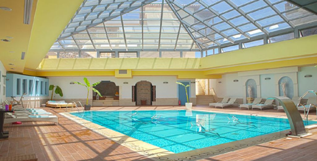 Profitez de la piscine du Spa