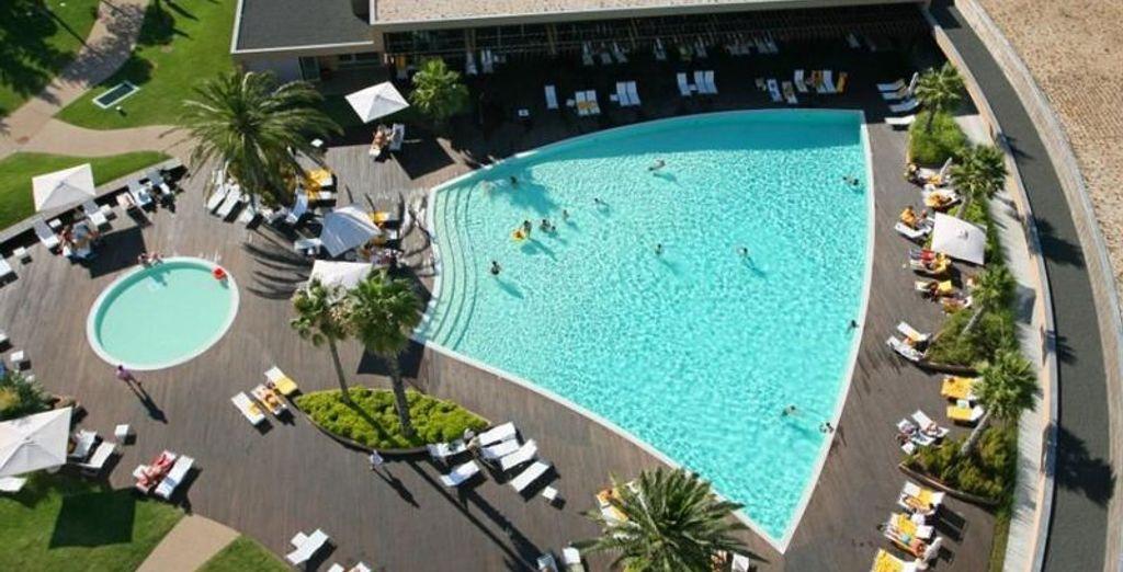 Avec plusieurs splendides piscines