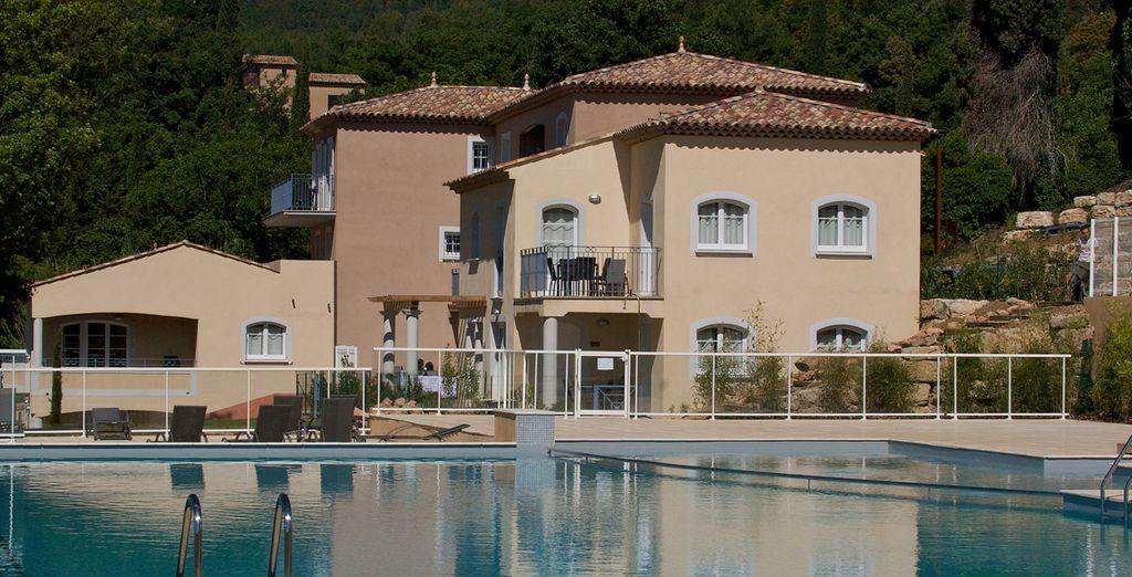 Où vous attend le cadre élégant du Château de Camiole - Le Château de Camiole Resort & Spa Callian