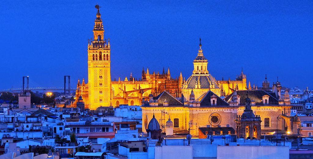 Et observez Séville dans toute sa splendeur ! - Hôtel EME Catedral 5* Seville
