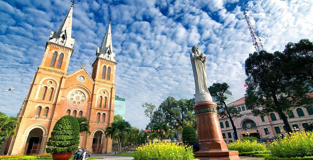Visitez Ho Chi Minh.. Ha long..