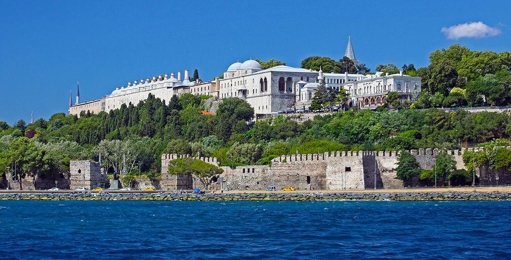 Le Palais Topkapi se dresse fièrement...