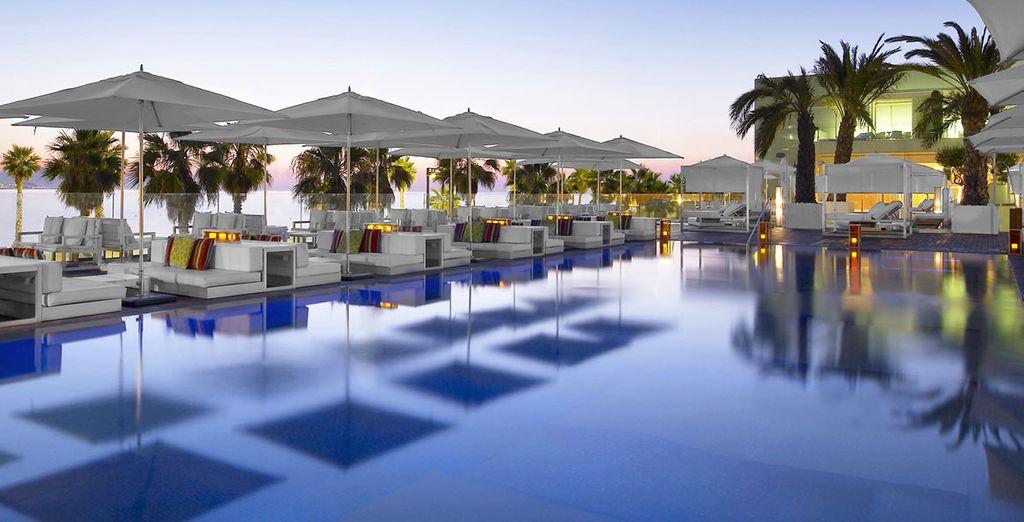 Et du soleil catalan au bord de la piscine !
