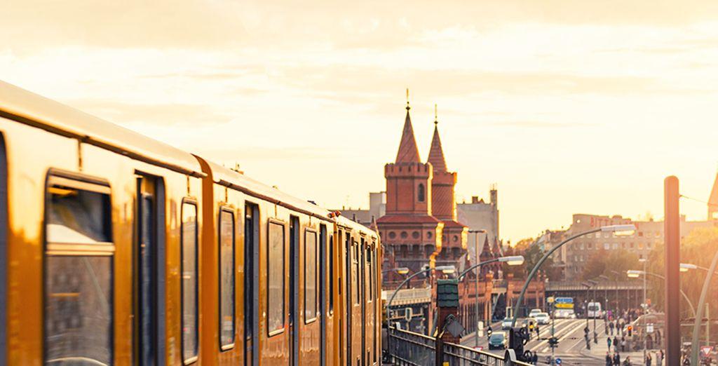 Au programme, visites de la capitale allemande ! Vous prendrez ensuite le train, direction Prague !