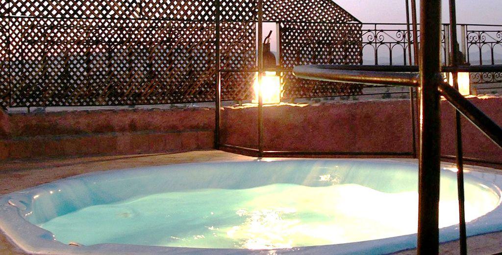 Avant de découvrir les trésors de ce lieu, comme sa piscine, son bain à remous...