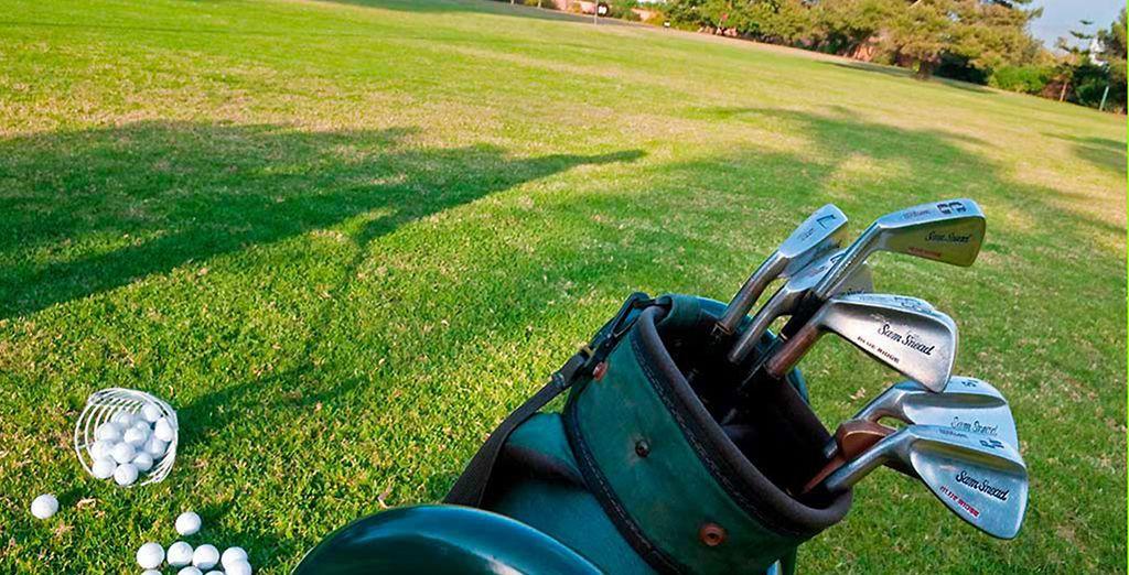 Perfectionnez votre swing au golf, situé à proximité