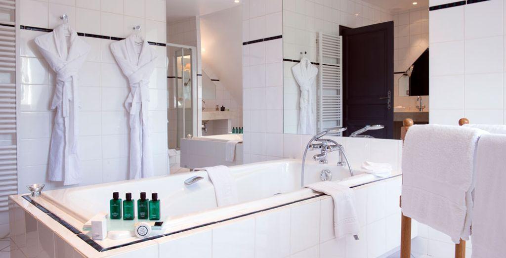 Et sa jolie salle de bain immaculée