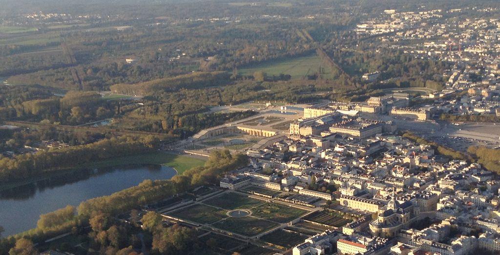 Et terminez en beauté avec un atterrissage derrière le Chateau de Versailles ! Bon vol !