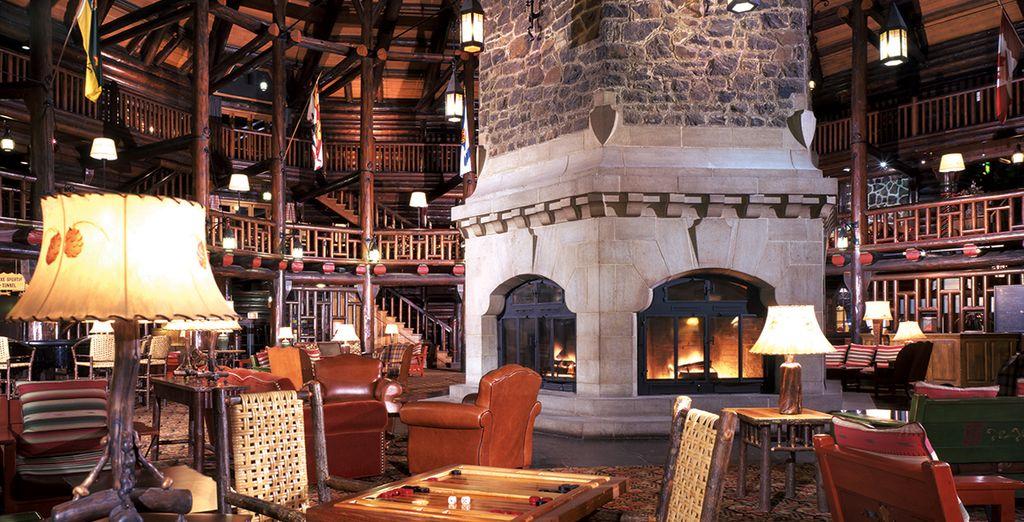 Vous séjournerez dans des hôtels 4* ou similaires comme le Fairmont Le Château Montebello 4*