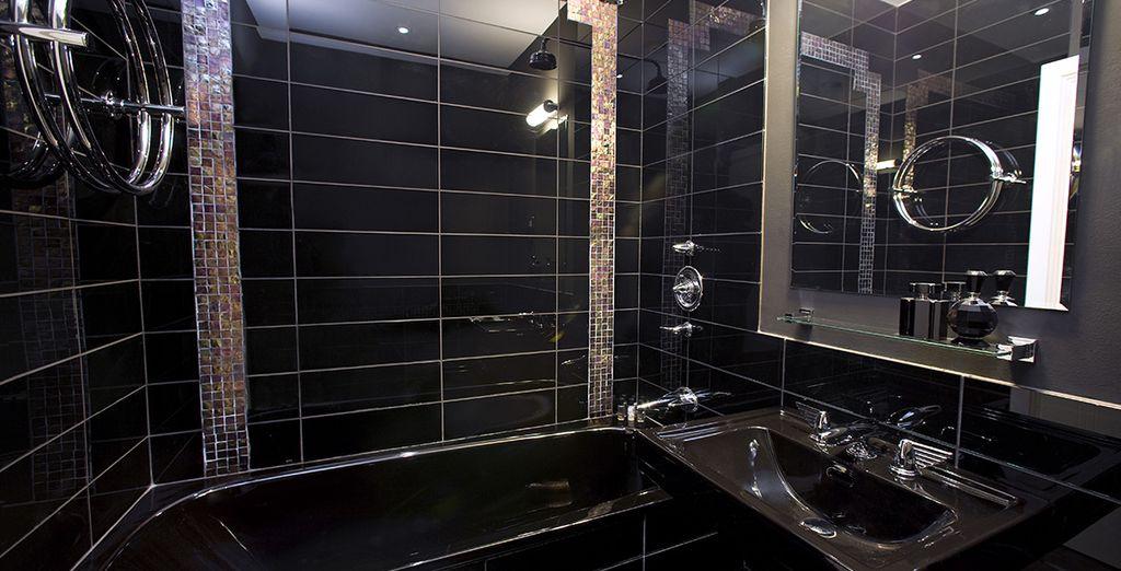 Délassez-vous dans votre salle de bains moderne