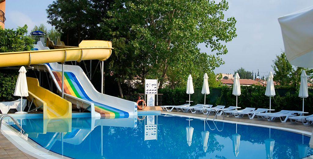 Partez découvrir les piscines de l'hôtel