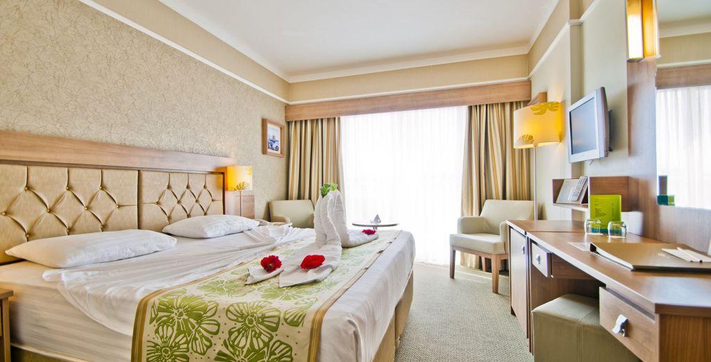 Vous découvrirez ensuite votre chambre Standard, lumineuse et confortable