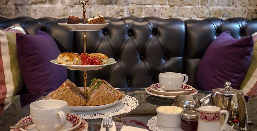 Vous allez adorer savourer un traditionnel tea time...