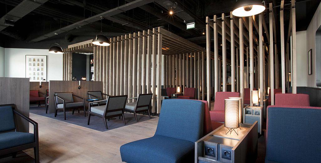 Profitez du nouveau salon OpenSkies pour vous détendre avant l'embarquement